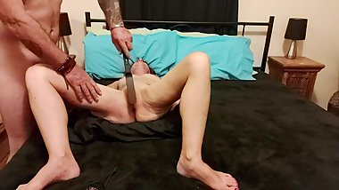 MILF enjoys a pussy slapping , cuntbusting good time!
