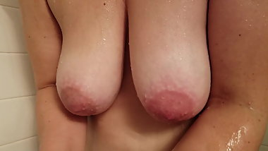 Saggy mature tits showering after we fuck