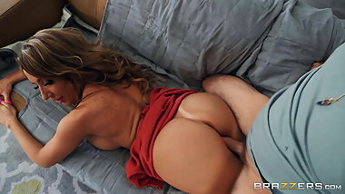 big ass House Warming Free Video With Richelle Ryan