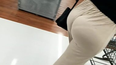 huge milf with tremendous ass candid