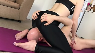 Camilla Tootsie Dominates Horny Husband with facesitting in yoga pants