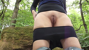 Milf piss outdoor
