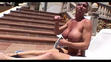 Amateur MILF Krisztina - Sunbathing Body Milk at Home
