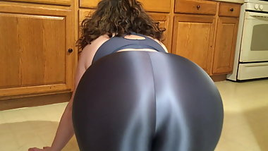 Spandex Angel - Spandex Milf seduces son's friend