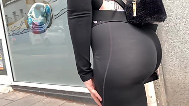 Phat juicy ass british bubble butt eatin up spandex