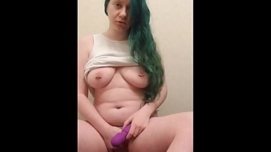 Massive squirting orgasms, my daddy picked my toy
