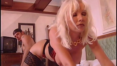 Busty Helen gets dp pleasure